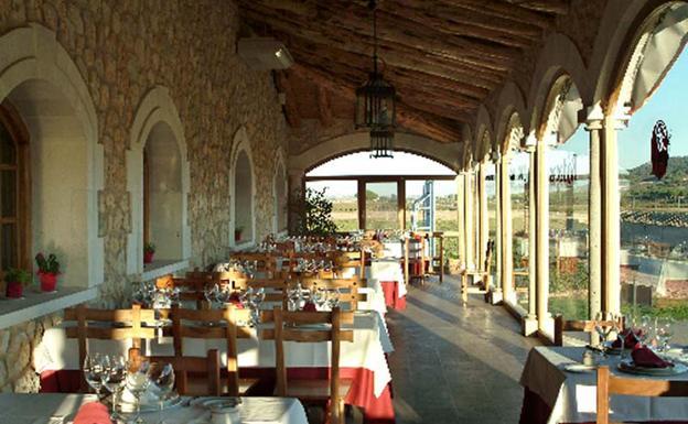 Reserva Duero cuenta con diferentes negocios como Bodegas Arzuaga Navarro/Reserva Duero