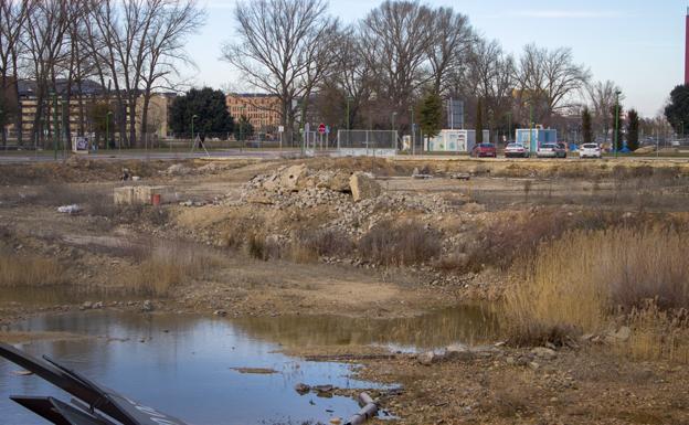 La parcela de la antigua Quesos Angulo lleva varios años a la espera de urbanización/IAC
