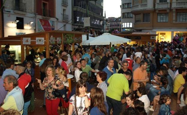 Los hosteleros pagarán por las casetas de la Feria de Tapas