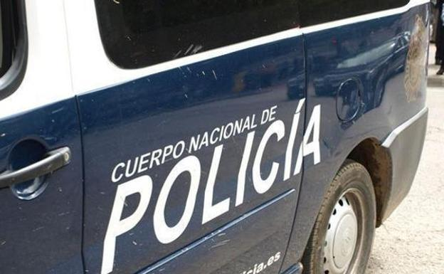 Detienen a un vecino de la capital por un delito de falsedad documental