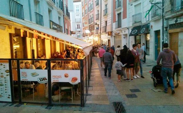 Calle Sombrería, una de las zonas más recurrentes para ir de tapas por la capital./IAC