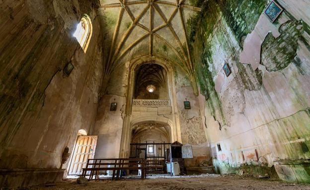 La iglesia de San Lorenzo Mártir presenta un estado ruinoso. /Manolo Miguel González