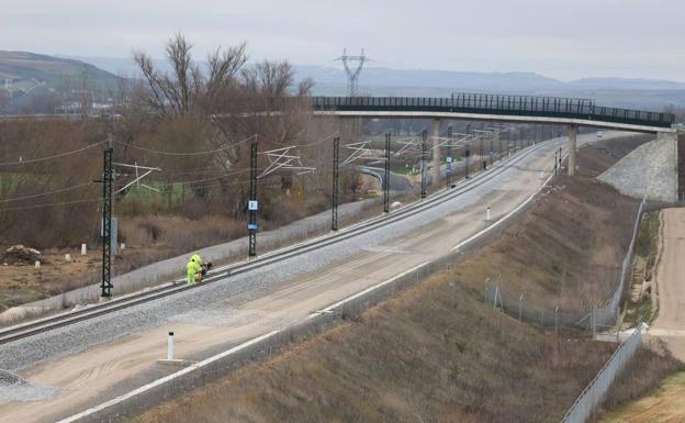 Los presupuestos recogen partida para continuar con la alta velocidad hacia Vitoria./GIT